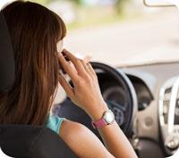 Får man prata i mobiltelefon när man kör?