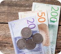 Svag krona = dyrare utlandssemester. 43 % dyrare dollar på 7 år.