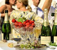 I snitt lägger vi 25 000 kronor på vårt bröllop