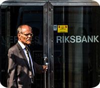 Riksbanken: Räntan kvar på minus 0,25 % med en planerad höjning vid årsskiftet