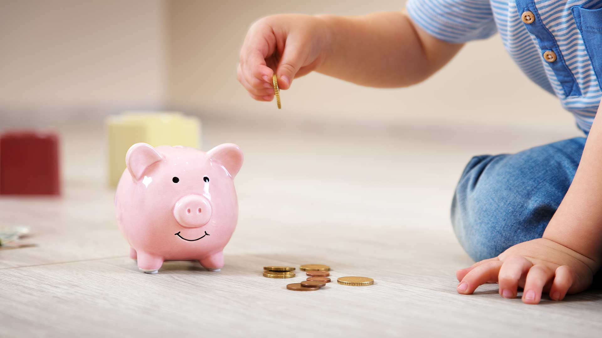 Hur sparar jag bäst till mina barn, så att de kan få lite pengar som hjälp till studier eller bostad?