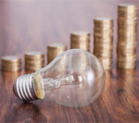 Trots lägsta elpriset sedan 2007 skiljer det mycket mellan elbolagen