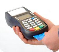 Nu blir det högre avgifter på bankkorten